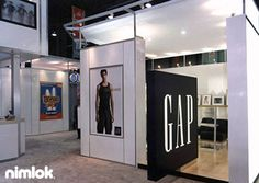 Nimlok designs and builds custom and portable modular retail displays and environments. For The Gap, we created a portable trade show exhibit solution.