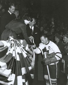 Autograph Authentic Teeder Kennedy Toronto Maple Leafs Autographed Queen Elizabeth 16 x 20 in. Photo, As Shown Prince Phillip, Toronto Maple Leafs, Queen Elizabeth Ii, Hockey, Nostalgia, Concert, Image, Nhl, Happy