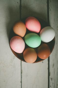 keepin' it simple for easter eggs with a pretty palette