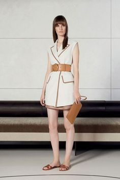 See the complete Agnona Spring 2016 Ready-to-Wear collection.