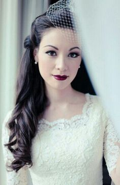 Vintage hair and makeup... LOVE! Need some extensions ASAP!
