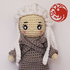 Crochet Pattern Daenerys Targaryen Game of thrones Pokemon Flareon, Pikachu, Crochet Doll Pattern, Crochet Patterns, Spanish Pattern, Crochet Game, Daenerys Targaryen, Patron Crochet, Mother Of Dragons