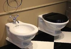 Klassieke Badkamers Toilet, Sink, Bathroom, Home Decor, Sink Tops, Washroom, Flush Toilet, Vessel Sink, Decoration Home