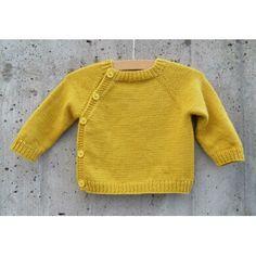 Schweizer Schlüttli Knitting pattern by StefanieWolllong - Knitted Scarf 5 Arm Knitting, Knitting Stitches, Boys Winter Clothes, Christmas Knitting Patterns, How To Start Knitting, Dress Gloves, Poncho, Paintbox Yarn, Yarn Brands