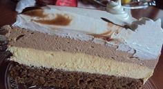 Sastojci Kora:  - 6 bijelanca - 6 kasika secera - 3 kasike brasna - 3 kasike nutele - 200gr mljevenih pecenih oraha ili ljesnika - malo cokoladnog mli