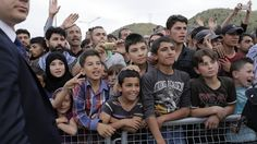 L'Union européenne a lancé, le 26 septembre, un vaste plan d'aide pour les réfugiés présents en Turquie, d'un montant total de 350 millions d'euros. Ses bénéficiaires se verront remettre des cartes bancaires prépayées. Lire aussi Amnesty International...