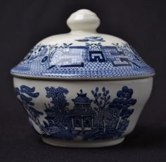 Churchill Blue Willow China Sugar Bowl w Lid Made in England Displayed Only | eBay