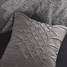 Whole Home /MD 'Modern Elegance' Pinch Pleat Cushion