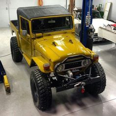Toyota Land Cruiser - Not a Jeep. but close Toyota Fj40, Toyota Trucks, 4x4 Trucks, Cool Trucks, Toyota Supra, Cool Cars, Toyota Tacoma, Toyota Lc, Jeep 4x4