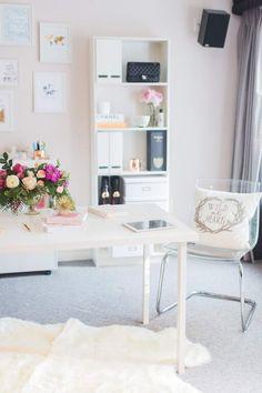 Super sleek and simple work space!