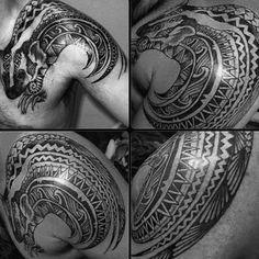 Tribal Male Honey Badger Shoulder Tattoos