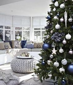 Golden colors work well with blue Christmas decorating ideas, blending richness and the warm glow of golden holiday decorations with calming and elegant blue color tones. Description from lushome.com. I searched for this on bing.com/images