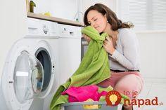 Zabudnite na ocot a jedlú sódu, na zapáchajúcu a zašlú bielizeň pôsobí toto omnoho lepšie: Rozdiel spoznáte po prvom praní!