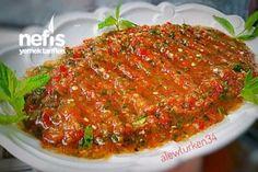 Hot Sauce - Delicious Recipes - Neslihan's Cuisine - Yemek Tarifleri - Another amazing meze given out i Hot Garlic Sauce, Hot Sauce, Meat Recipes, Appetizer Recipes, Yummy Recipes, Appetizers, Turkish Salad, Bulgur Salad, Iftar