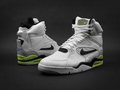 collection by ThunderBoy on We Heart It David Robinson, Nike Shoes, Sneakers Nike, Sneaker Art, San Antonio Spurs, Modern Man, Kicks, Nike Air, Jordans