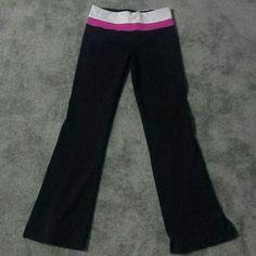 Lululemon yoga pants size 6 Striped grey and pink waist band Good condition lululemon athletica Pants Track Pants & Joggers