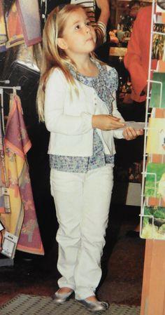 Amalia wil een kaartje sturen vanuit Zweden (bruidsmeisje Victoria 2010)
