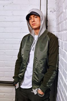 The newest Eminem news updates have reported that the reason why the album is being delayed is because of rapper 50 Cent. New Eminem, The Eminem Show, Eminem Rap, Eminem Lyrics, Eminem Music, Eminem Style, Marshall Eminem, Best Rapper Ever, The Real Slim Shady