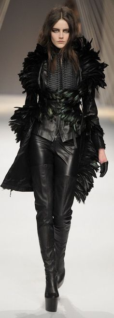 Arzu Kaprol Fall-Winter 2012. Sexy leather head-to-toe