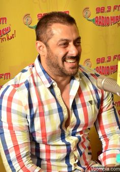 Salman Khan pictured in his new short hairstyle and a beard. via Voompla.com