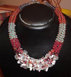 collana GIROCOLLO fatta a mano modello a spirale pietre dure cristalli fiori, reato da mia sorella Teresa