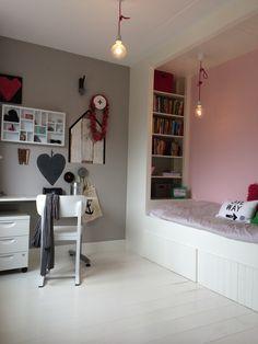 Kleine slaapkamer met slim bed op maat door EDWORK Zwolle! More