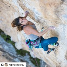 "#Repost @raphaelfourau with @repostapp  Décidément @camilledoumas n'en finit pas de tordre les malheureuses falaises qui croisent son chemin ! Aujourd'hui elle enchaîne ""Mandarine"" 8b et véritable #masterpiece du Thaurac.  Bravo Mde Doumas  #rockclimbing #girlpower #ebclimbing #patagonia #outdoor @eb_climbing @patagonia_climb @patagoniamontpellier @bartasproductions"