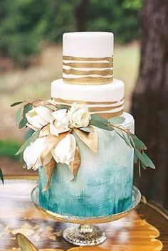 metallic gold and teal wedding cakes for 2017 #goldweddingcakes