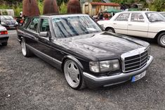 Mercedes Benz – One Stop Classic Car News & Tips Mercedes W126, Mercedes Benz Cl, Bmw Classic Cars, Classic Mercedes, Bentley Mulsanne, Street Racing Cars, Classy Cars, Benz S, Maybach