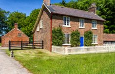 Holme Wold Farm Cottage Holme-on-the-Wolds, Beverley, East Yorkshire (Sleeps 1 - UK, Engalnd. Self Catering. Pets Welcome. Children Welcome. East Yorkshire, Yorkshire England, Pet Friendly Holidays, Next Holiday, Holiday Ideas, Holidays In England, Pet Friendly Hotels, Farm Cottage, Holiday Accommodation