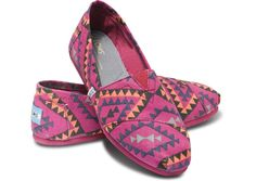 Magenta Indo Women's Classics...NEED THESE FOR FALL.