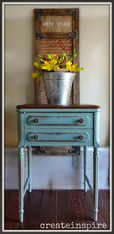 {createinspire}: Antique Sewing Machine in French Blue from Old Town Paints