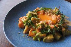 アボカドは何に合わせても美味しいんです!わさび醤油で食べるのはもう飽きたという人に今回は、アボカドを使った美味しいおつまみをご紹介します♪