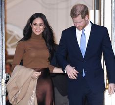 Harry And Meghan: Royal Family Locked In Crisis Talks As Queen Demands 'Workable Solution' For Couple 'Within Days' Harry And Meghan, Buckingham Palace, Meghan Markle, Royals, Bring It On, Queen, Thoughts, Formal, Couples