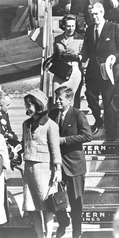 Four Days in November 1963 Jaqueline Kennedy, Jacqueline Kennedy Onassis, Caroline Kennedy, Les Kennedy, Robert Kennedy, Jack Johns, Kennedy Assassination, Jfk Jr, Black And White Pictures