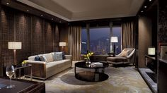 "I find the ""Premier Executive Suite"" living room at the Ritz-Carlton Hongkong to have a perfect balance of oriental ambiance, coupled with amazing views. Read more at Best-Hong-Kong-Hotels.net."
