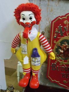 Ronald Mcdonald Stuffed Toy--kinda scary looking! 1970s Toys, Retro Toys, Vintage Toys, Fisher Price Toys, Vintage Fisher Price, My Childhood Memories, Childhood Toys, Kickin It Old School, Before I Forget