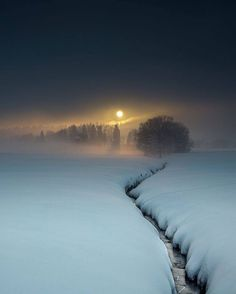 Beautiful World, Beautiful Places, Beautiful Moon, Simply Beautiful, Beautiful Scenery, Beautiful Winter Scenes, Absolutely Gorgeous, Landscape Photography, Nature Photography