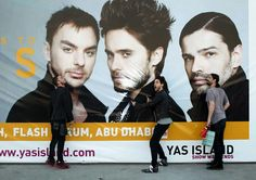 THIRTY SECONDS TO MARS OMFG get them away from that as soon as possible!!! (look at Shannon btw, WTF?)