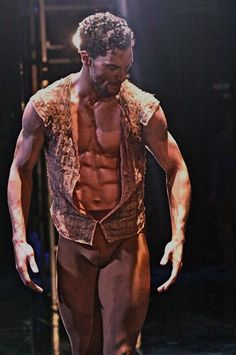 Joffrey Ballet Othello workout - or I'll how to try to lool like Fabrice!