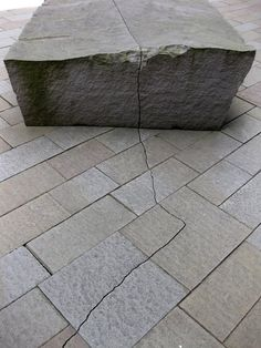andy goldsworthy sculpture outside the de Young museum, San Francisco