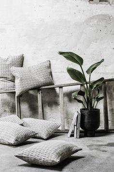 Living Room Interior, Interior Livingroom, House Doctor, Home Deco, Green And Grey, Throw Pillows, Bed, Dreams, Inspiration