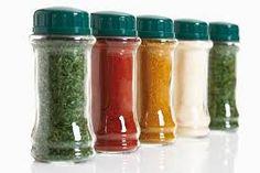 1.Para conservar a salsa fresca, lave, deixe secar e corte bem fininho. Depois, guarde a salsa num vidro, coberta com óleo. 2. A salsa poderá ser conservada sempre fresca por até três semanas.