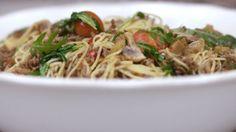Eén - Dagelijkse kost - capellini met gebakken gehakt, paddenstoelen en minitomaten | Eén