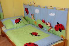 zástena za posteľ - Hľadať Googlom Toddler Bed, Furniture, Home Decor, Child Bed, Decoration Home, Room Decor, Home Furniture, Interior Design, Home Interiors
