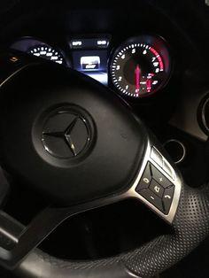 M # ♛ # – – luxury cars Mercedes Benz 300, Mercedes Sports Car, Bmw I8, Toyota Prius, Foto Snap, Mercedez Benz, Night Driving, Benz Car, Best Luxury Cars