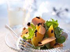 Découvrez la recette Salade de foie gras à l'orange sur cuisineactuelle.fr. Pizza Au Foie Gras, Rare Steak, Hors D'oeuvres, Eat Smarter, Menu Restaurant, Food Plating, Mayonnaise, Fine Dining, Gourmet