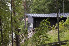 moderni huvila ja saunatupa Garden Office, Cabins In The Woods, Good Times, Beach, Plants, Houses, Homes, The Beach, Beaches