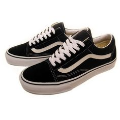 vans-barbee-old-skool-black1 ❤ liked on Polyvore featuring shoes, sneakers, vans, footwear, vans trainers, vans footwear, vans shoes and vans sneakers