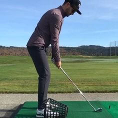 A great golf drill to stop you from early extending and to hit solid and more consistent golf shots. Golf Chipping Tips, Golf Books, Golf Score, Golf Putting Tips, Best Golf Courses, Driving Tips, Golf Instruction, Golf Exercises, Golf Training